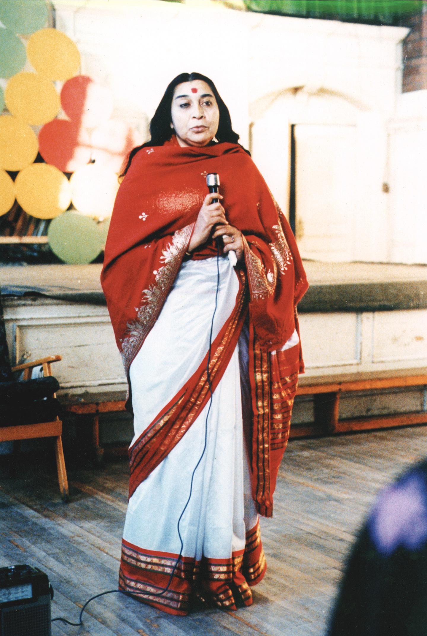 ShriMataji_18.jpg